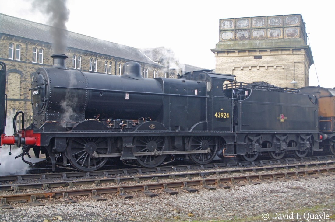 This image has an empty alt attribute; its file name is 43924-at-keighley-on-the-kwvr-february-2015.jpg
