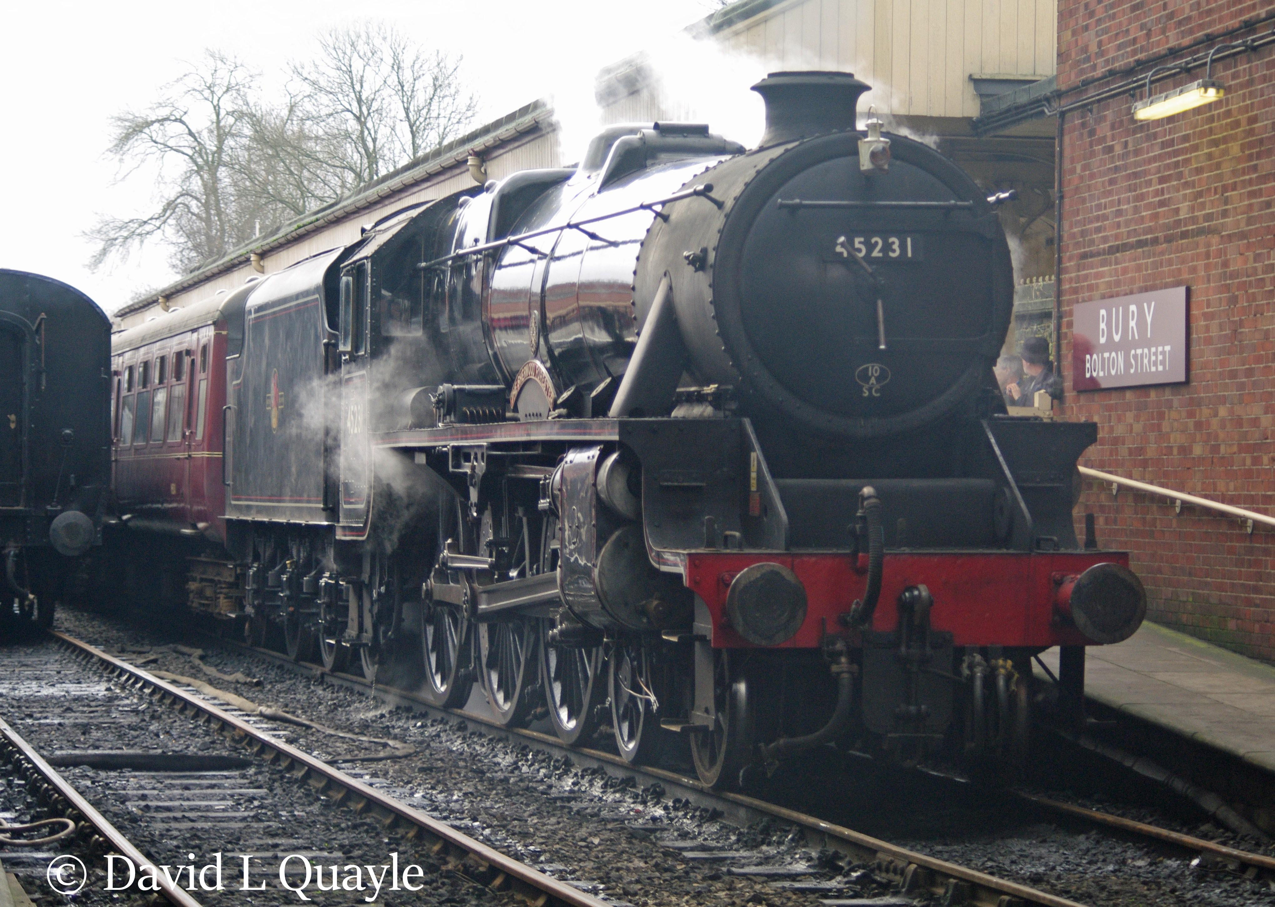 This image has an empty alt attribute; its file name is 45231-the-sherwood-forester-at-bury-on-the-east-lancs-railway-e28093-october-2011-v.jpg