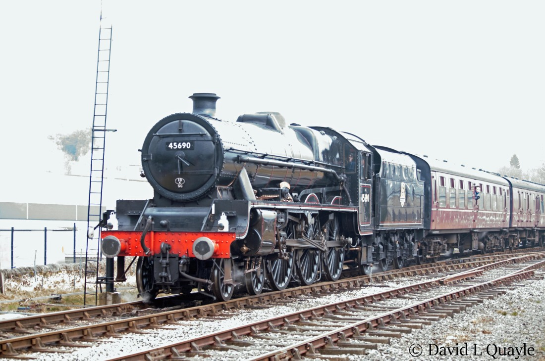 This image has an empty alt attribute; its file name is 45690-leander-at-rawtenstall-on-the-east-lancs-railway-march-2018-b.jpg