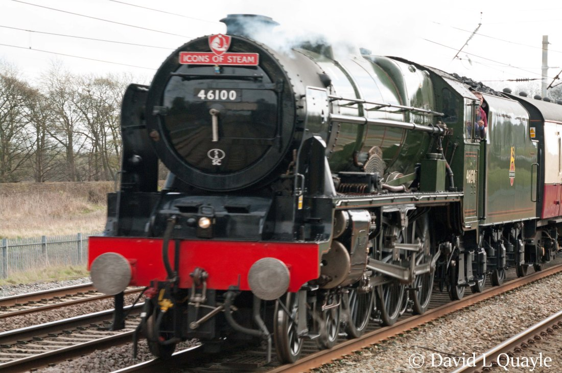 This image has an empty alt attribute; its file name is 46100-royal-scot-heads-north-through-winwick-april-2016.jpg