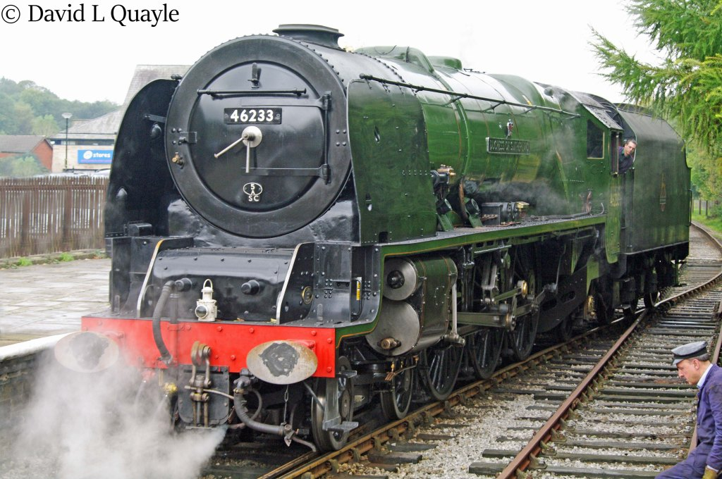 This image has an empty alt attribute; its file name is 46233-duchess-of-sutherland-at-rawtenstall-on-the-east-lancashire-railway-october-2013.jpg
