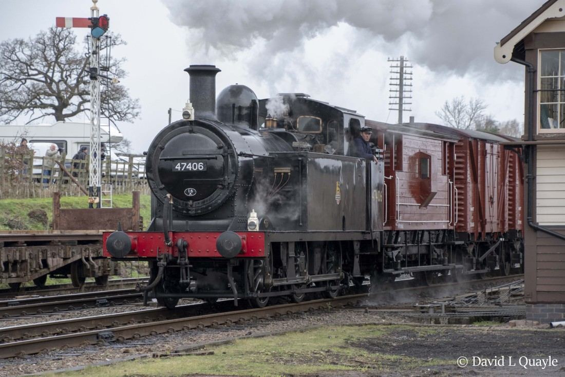 This image has an empty alt attribute; its file name is 47406-at-quorn-woodhouse-on-the-great-central-railway-january-2019.jpg
