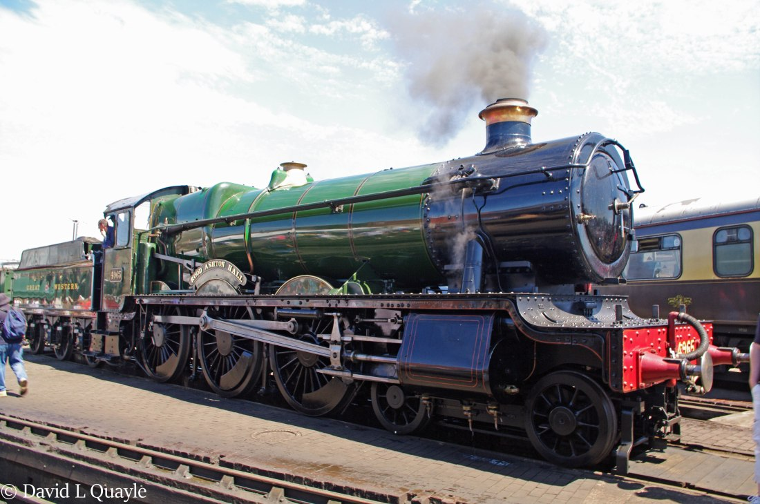 This image has an empty alt attribute; its file name is 4965-rood-ashton-hall-at-tyseley-june-2011-y.jpg