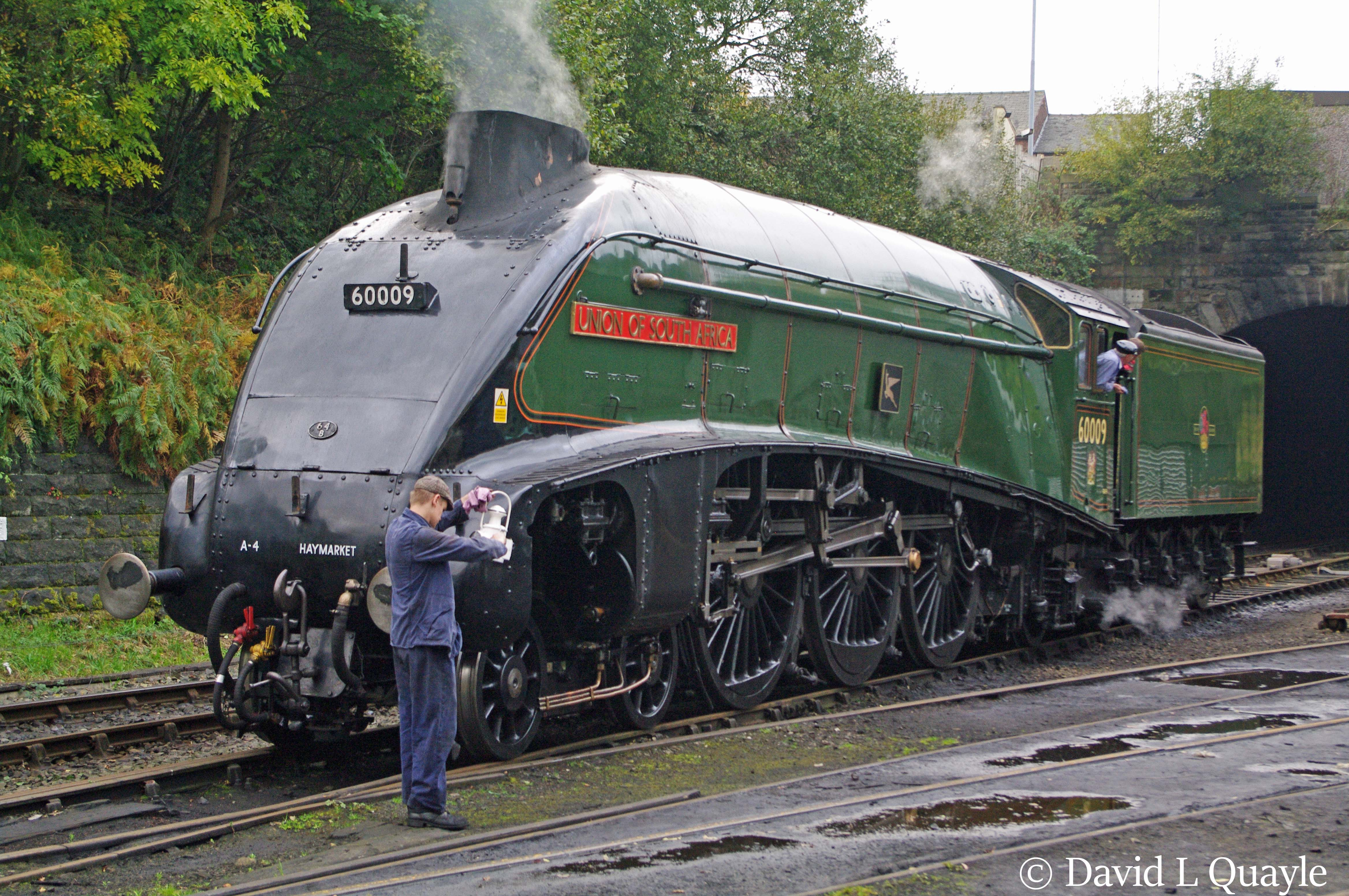 This image has an empty alt attribute; its file name is 60009-union-of-south-africa-at-bury-on-the-east-lancashire-railway-october-2014-1.jpg