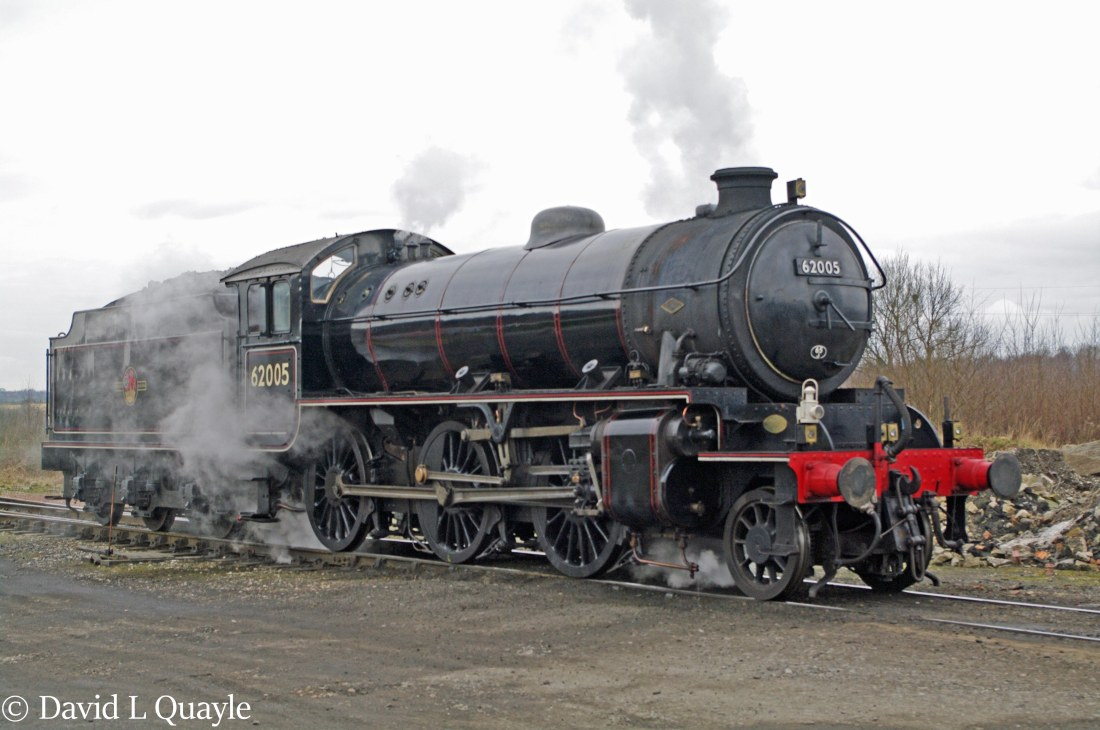 This image has an empty alt attribute; its file name is 62005-at-bury-on-the-east-lancashire-railway-february-2013.jpg