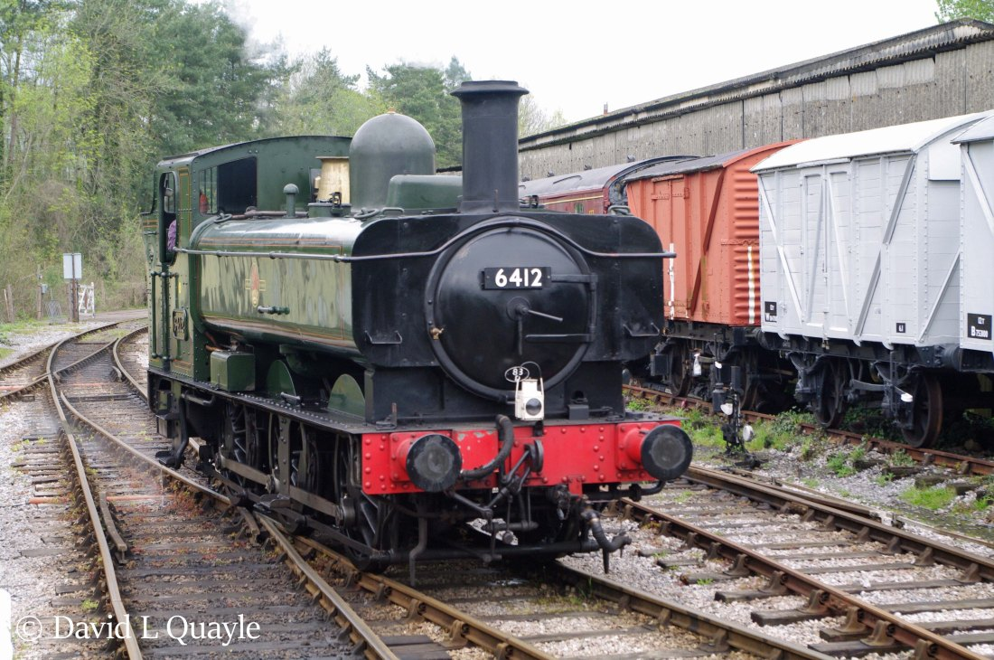 This image has an empty alt attribute; its file name is 6412-at-buckfastleigh-on-the-south-devon-railway-april-2018.jpg