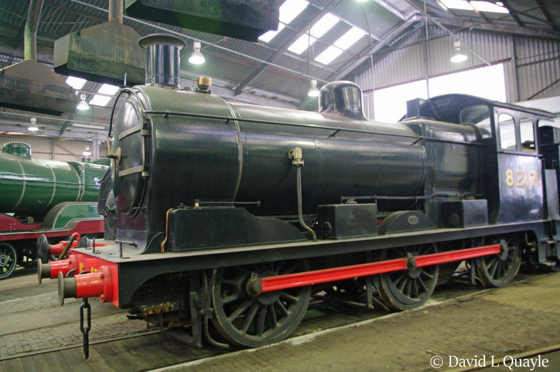 This image has an empty alt attribute; its file name is 65567-in-barrow-hill-roundhouse-march-2015-vvvvv.jpg