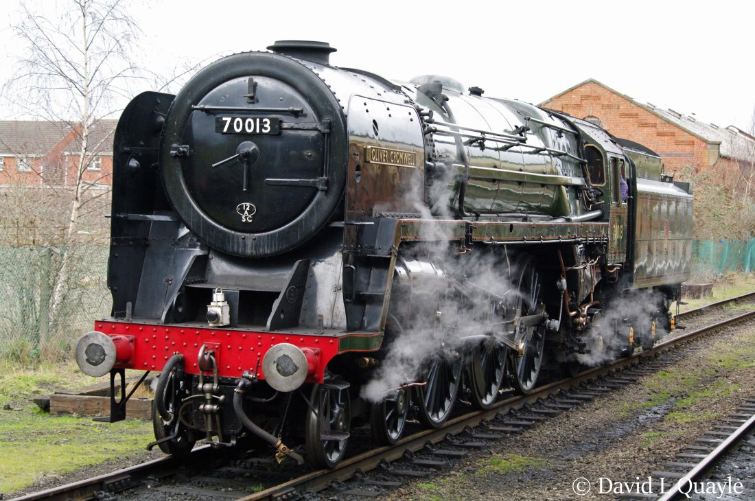 This image has an empty alt attribute; its file name is 70013-oliver-cromwell-at-loughborough-on-the-great-central-railway-january-2012-ffffff.jpg