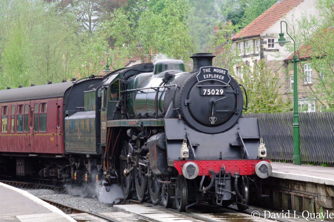 This image has an empty alt attribute; its file name is 75029-green-knight-at-pickering-on-the-north-yorkshire-moors-railway-may-2013.jpg