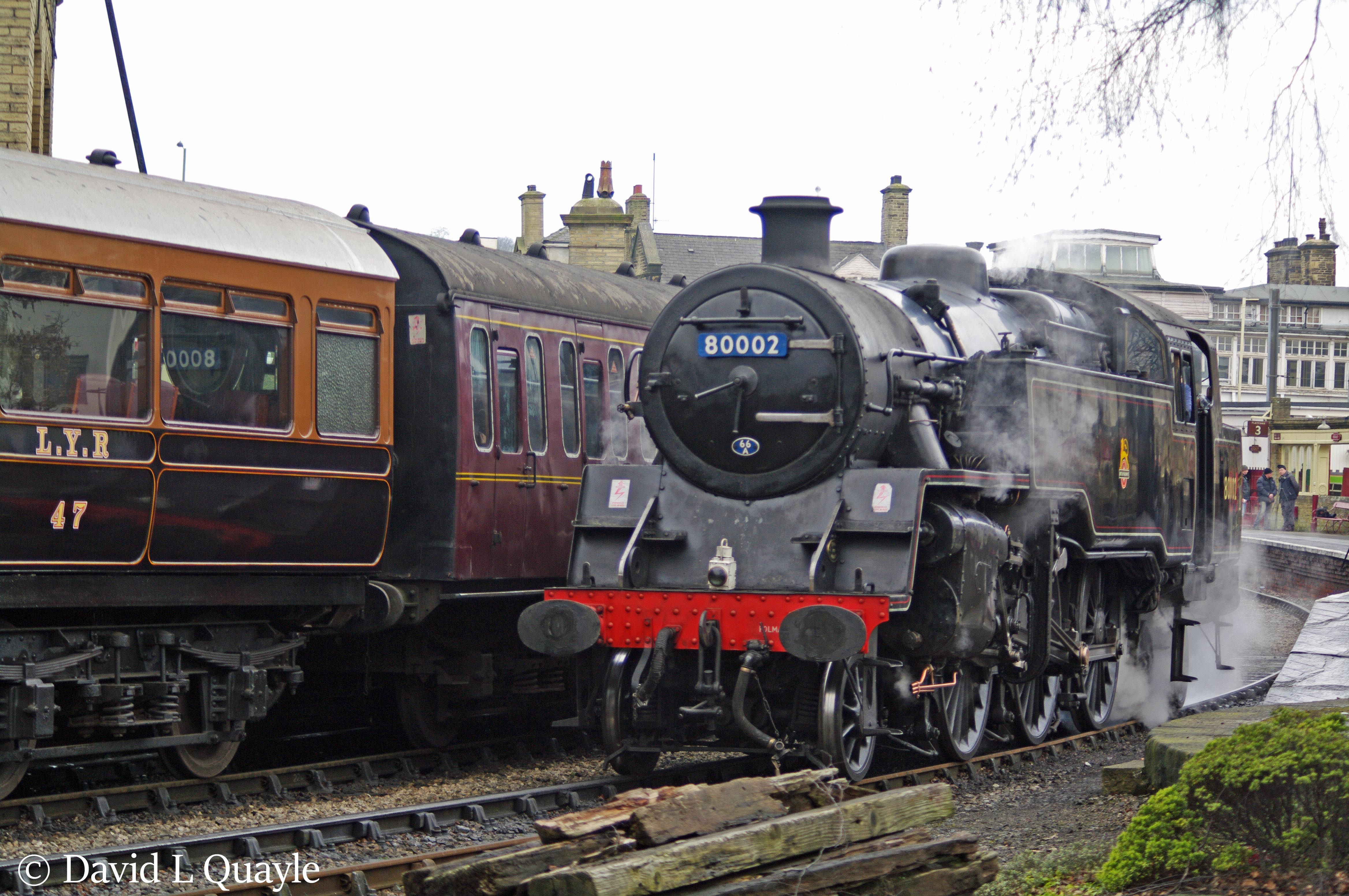 This image has an empty alt attribute; its file name is 80002-at-keighley-on-the-keighley-worth-valley-railway-october-2012-nnnnnn.jpg
