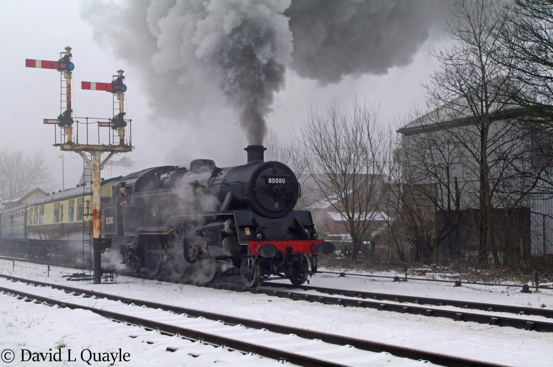 This image has an empty alt attribute; its file name is 80080-at-ramsbottom-on-the-east-lancashire-railway-january-2015.jpg