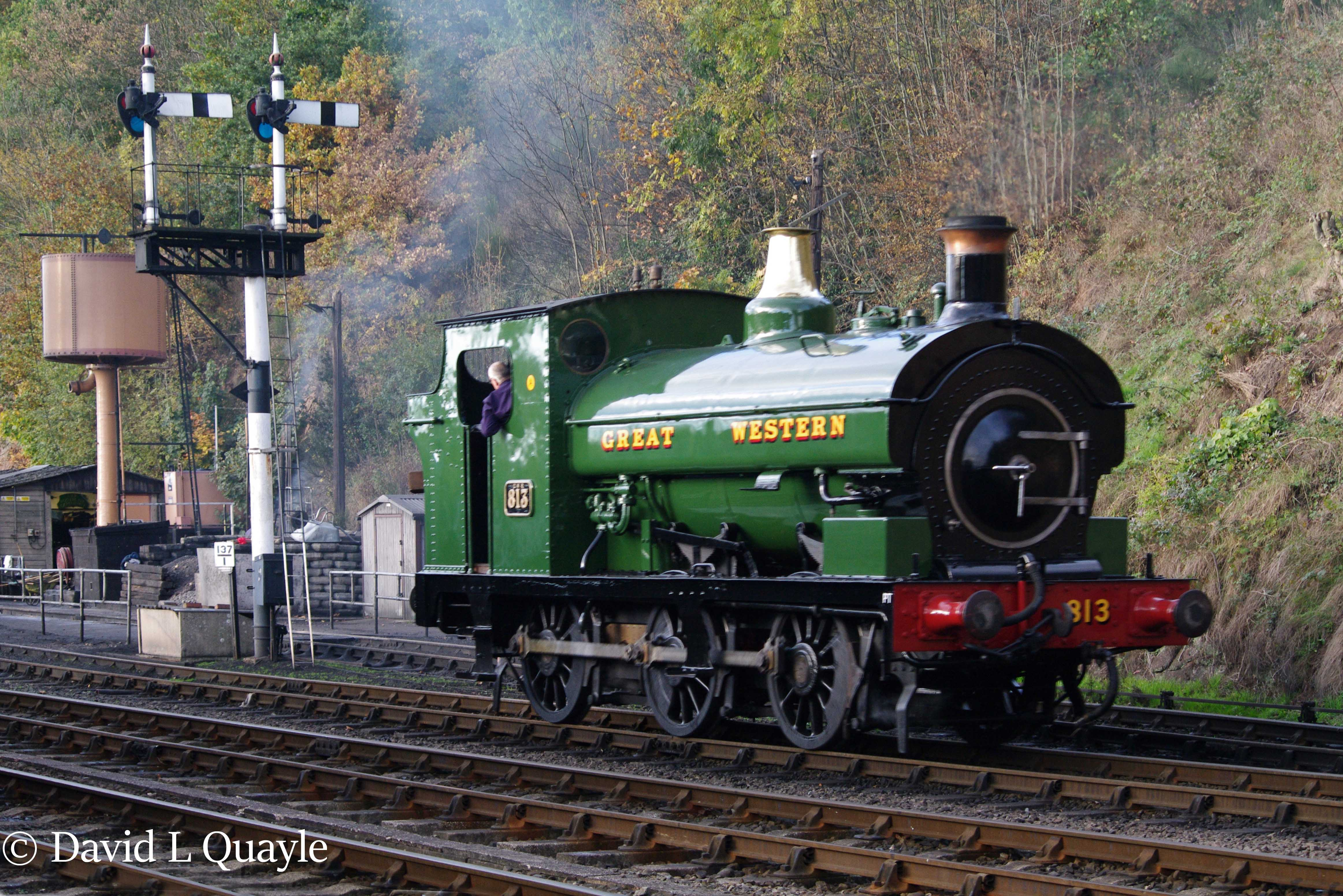 This image has an empty alt attribute; its file name is 813-at-bewdley-on-the-svr-in-november-2016.jpg