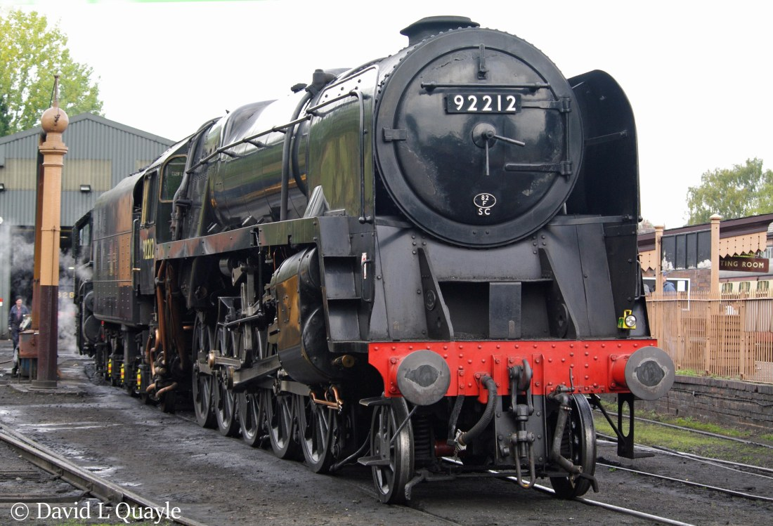 This image has an empty alt attribute; its file name is 92212-at-bridgnorth-on-the-severn-valley-railway-september-2011.jpg