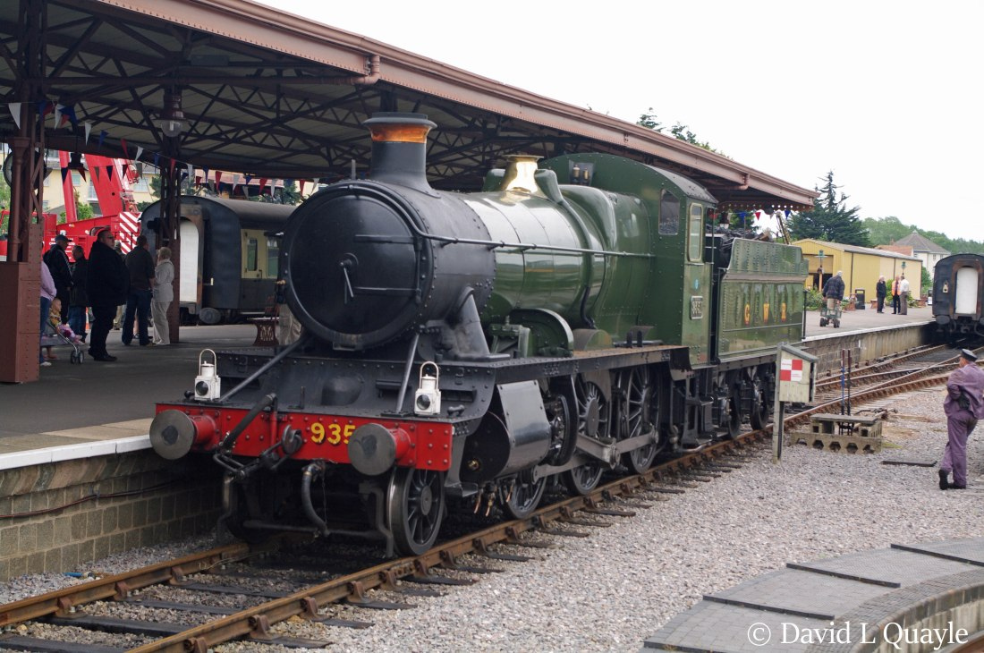 This image has an empty alt attribute; its file name is 9351-at-minehead-on-the-west-somerset-railway-june-2012-n.jpg