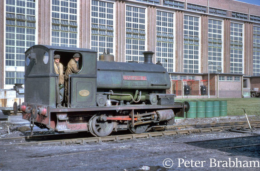 This image has an empty alt attribute; its file name is peckett-sons-2147-at-uskmouth-power-station-1963.jpg