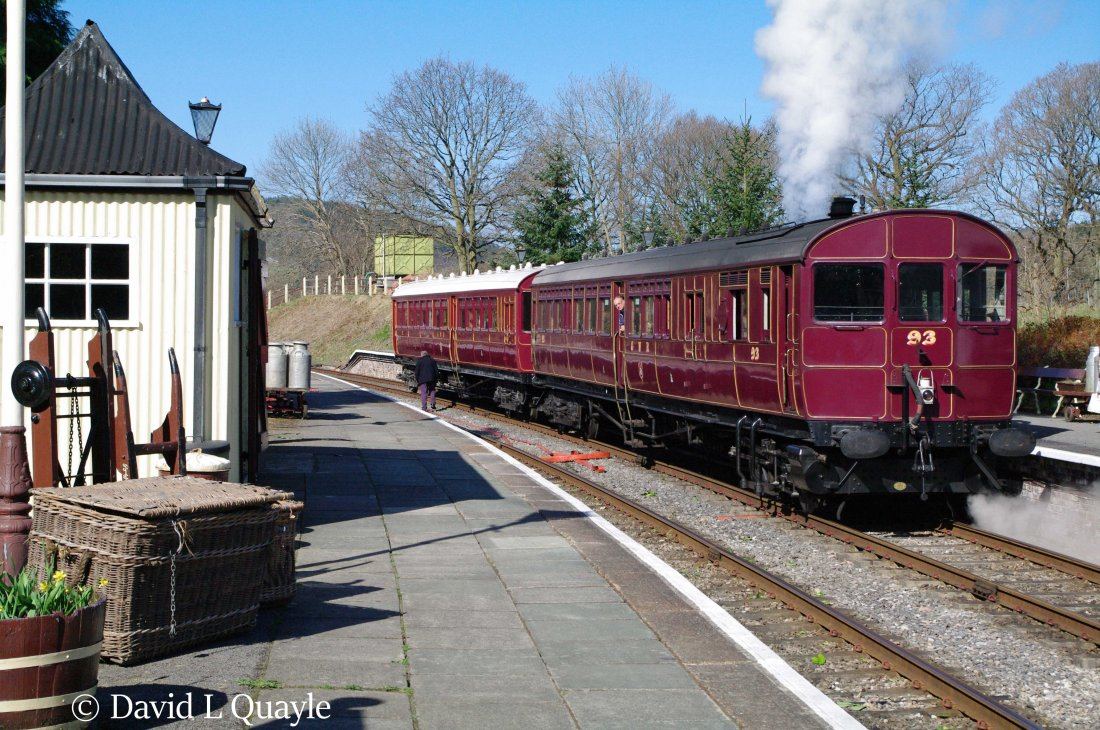 This image has an empty alt attribute; its file name is steam-railmotor-93-and-autotrailer-92-at-glyndyfrdwy-on-the-llangollen-railway-april-2013.jpg