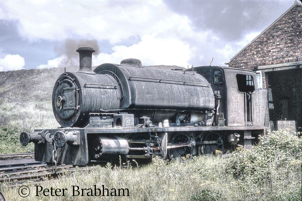 This image has an empty alt attribute; its file name is yorkshire-engine-company-2498-at-ncb-chisley-colliery-1969.jpg