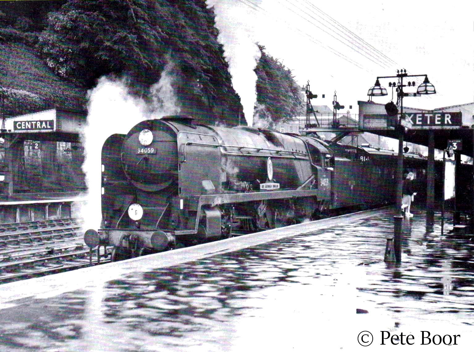 This image has an empty alt attribute; its file name is 34059-sir-archibald-sinclair-at-exeter-central.jpg