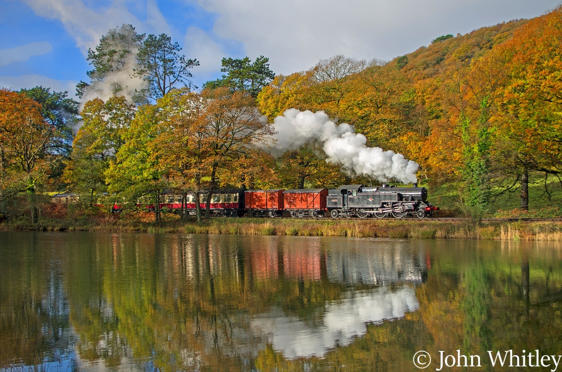 This image has an empty alt attribute; its file name is 42073-on-the-lakeside-haverthwaite-railway-e28093-november-2016-.jpg