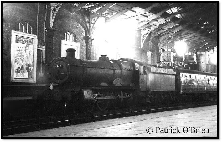 This image has an empty alt attribute; its file name is 4942-maindy-hall-at-bristol-temple-meads-on-a-train-from-gloucester-1963.jpg