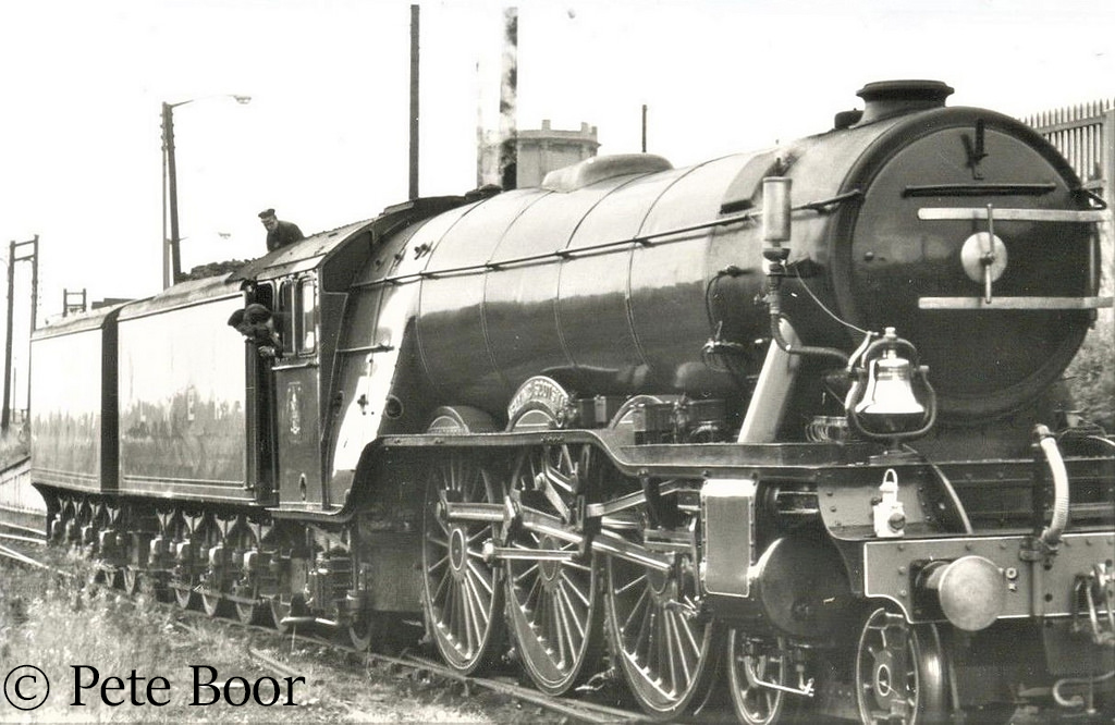 This image has an empty alt attribute; its file name is 60103-flying-scotsman-just-back-from-the-usa.jpg