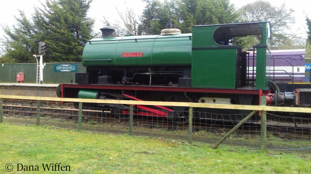 This image has an empty alt attribute; its file name is hawthorn-leslie-2918-at-sheperdswell-station-on-the-east-kent-railway.jpg