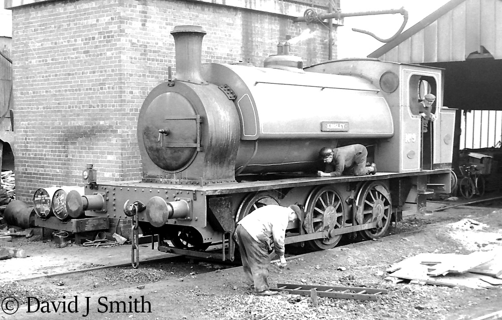 This image has an empty alt attribute; its file name is hunslet-1954-at-south-kirby-colliery-1970.jpg