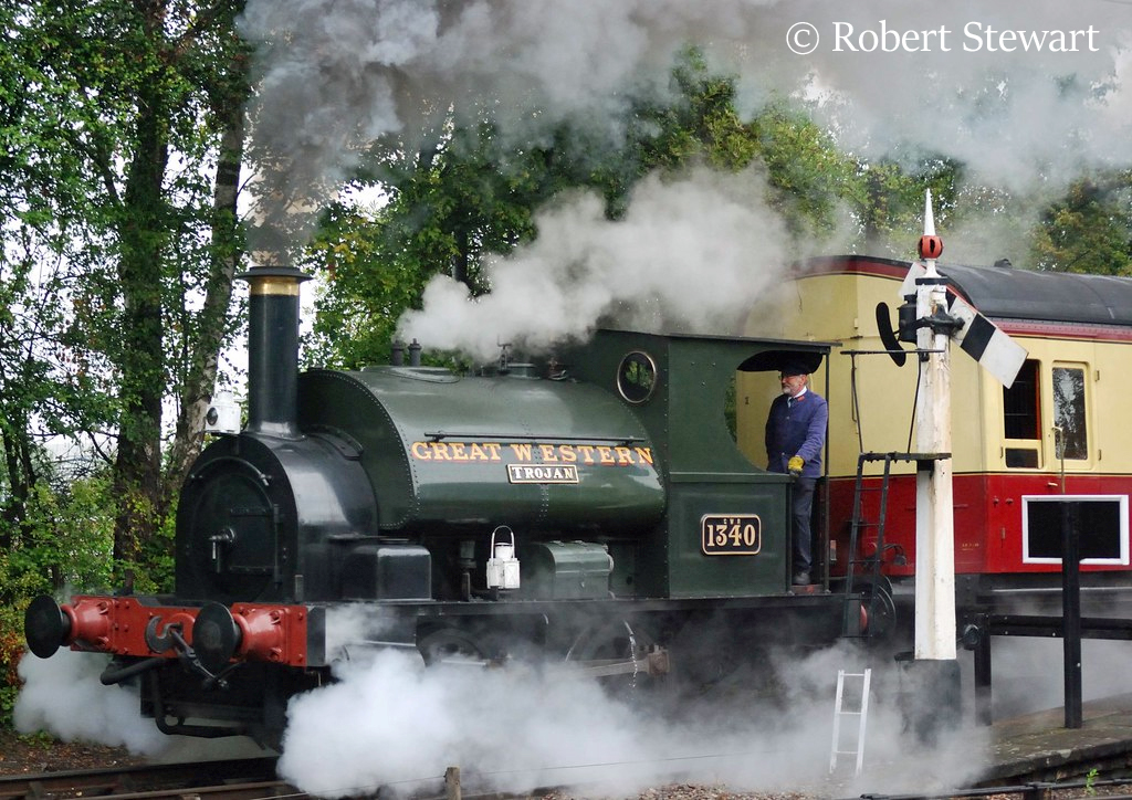 This image has an empty alt attribute; its file name is 1340-at-didcot-august-2011.jpg