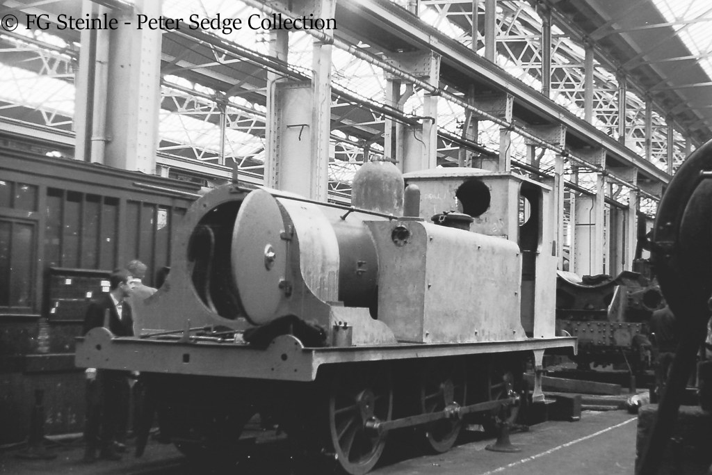 This image has an empty alt attribute; its file name is 31751-as-ds680-inside-eastleigh-works-undergoing-restoration-before-being-shipped-to-canada-june-1963.jpg