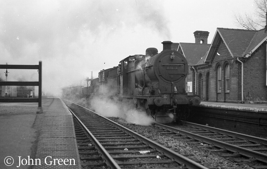 This image has an empty alt attribute; its file name is 44123-at-kings-norton-date-unknown.jpg