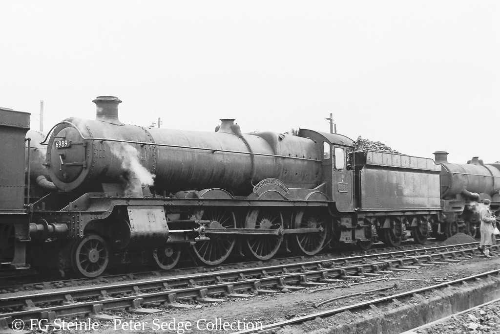 This image has an empty alt attribute; its file name is 6989-wightwick-hall-on-old-oak-common-shed-may-1964.jpg