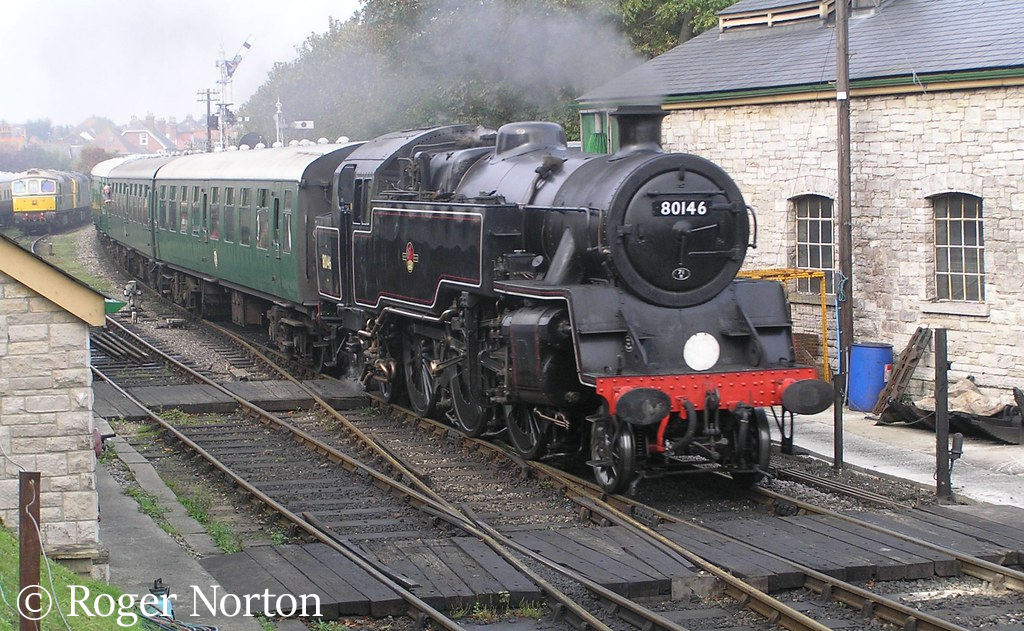 This image has an empty alt attribute; its file name is 80104-running-as-80146-at-swanage-september-2017.jpg