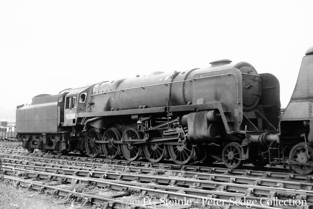 This image has an empty alt attribute; its file name is 92207-in-woodhams-scrapyard-at-barry-june-1965.jpg