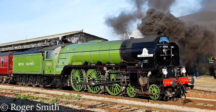 This image has an empty alt attribute; its file name is 60163-tornado-at-gloucester-central-on-a-train-to-london-victoria-november-2009.jpg