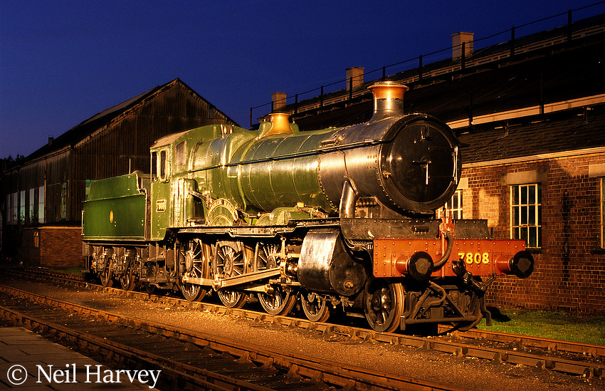 This image has an empty alt attribute; its file name is 7808-cookham-manor-at-the-didcot-railway-centre-october-2001.jpg
