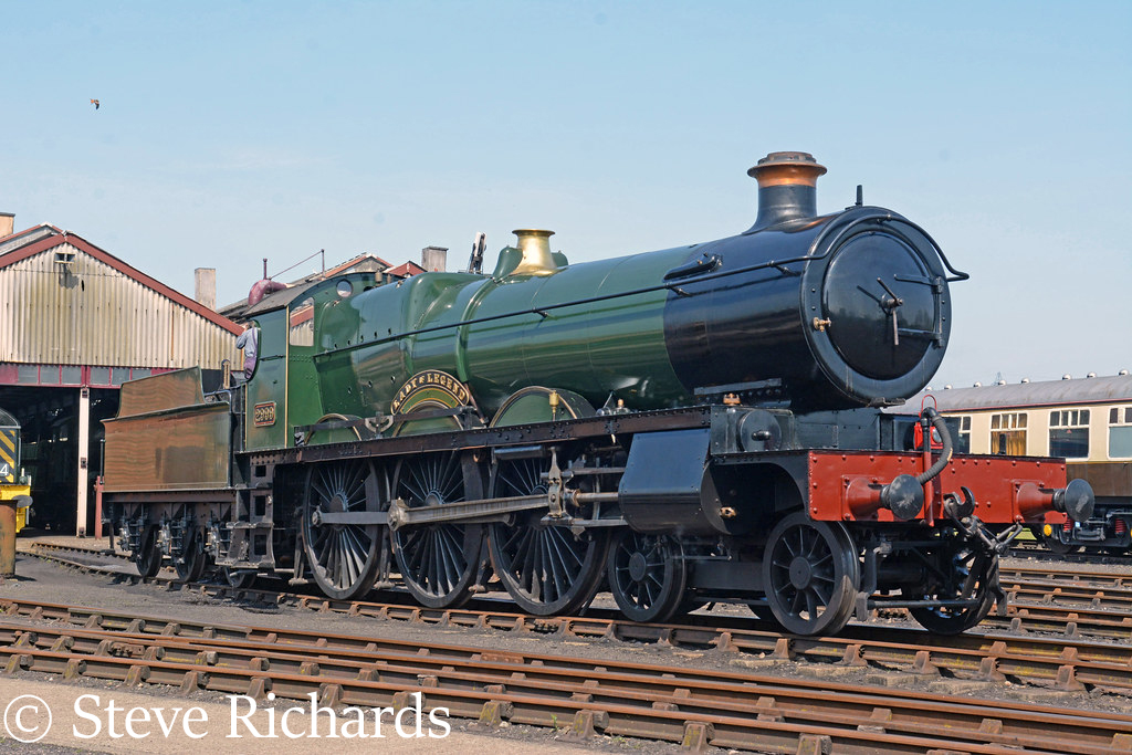 This image has an empty alt attribute; its file name is 2999-lady-of-legend-at-didcot-april-2019-.jpg