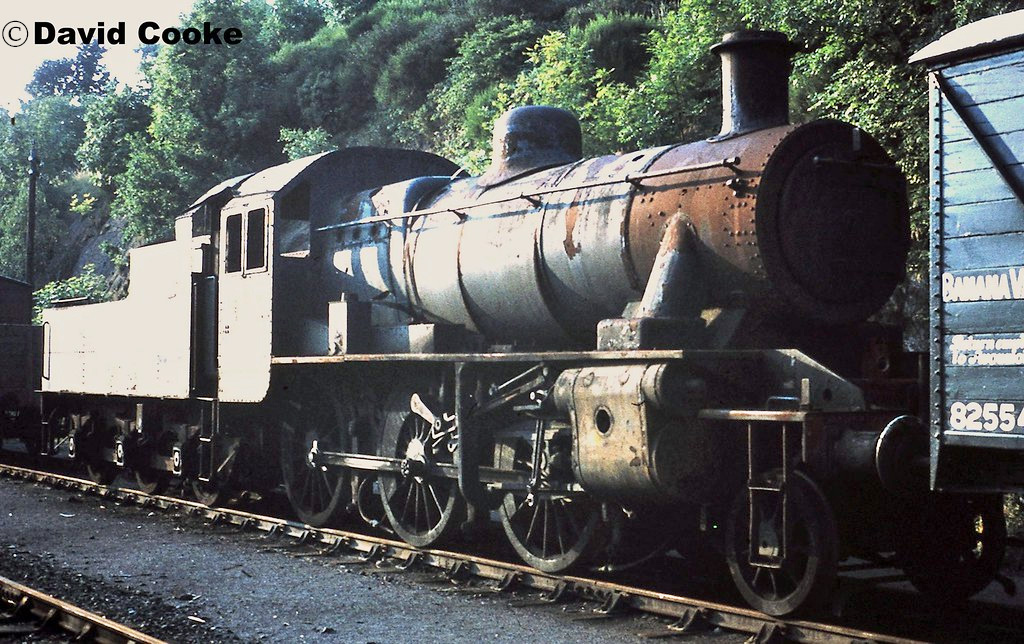 This image has an empty alt attribute; its file name is 46512-at-bewdley-on-the-severn-valley-railway-1972.jpg