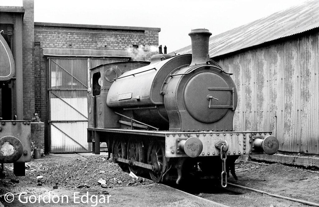 This image has an empty alt attribute; its file name is he-1800-outside-the-ncb-littleton-colliery-shed-march-1970.jpg