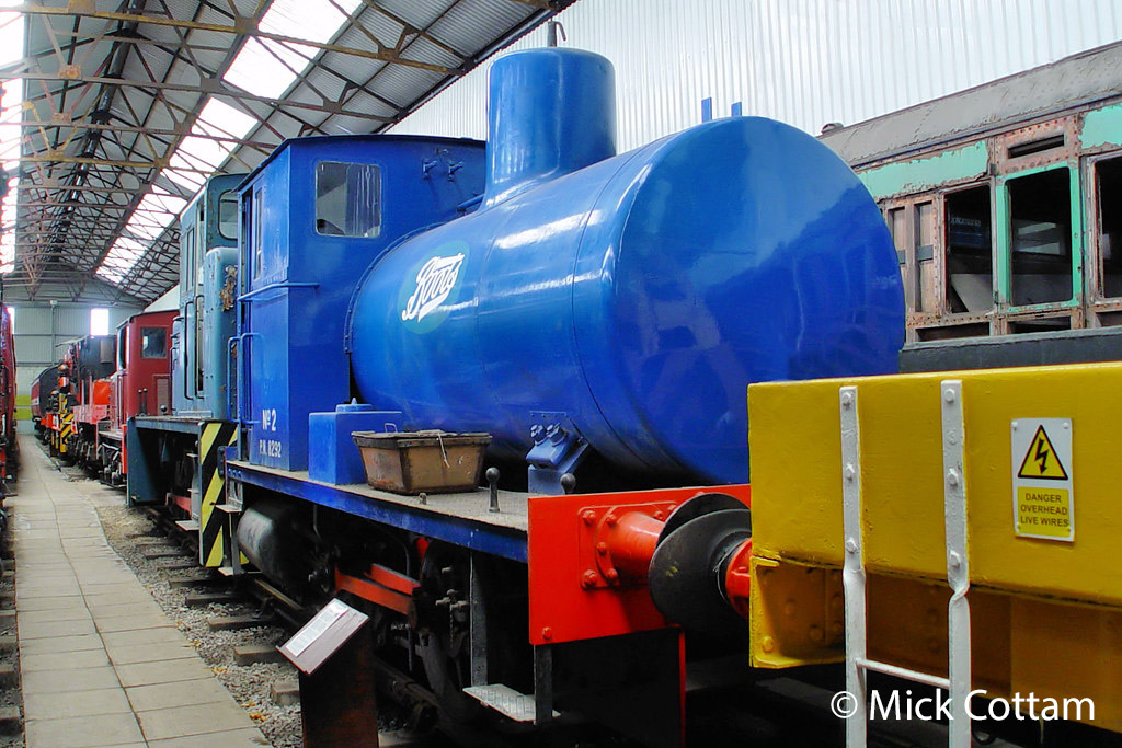 This image has an empty alt attribute; its file name is andrew-barclay-2008-at-the-ribble-steam-railway-march-2010.jpg