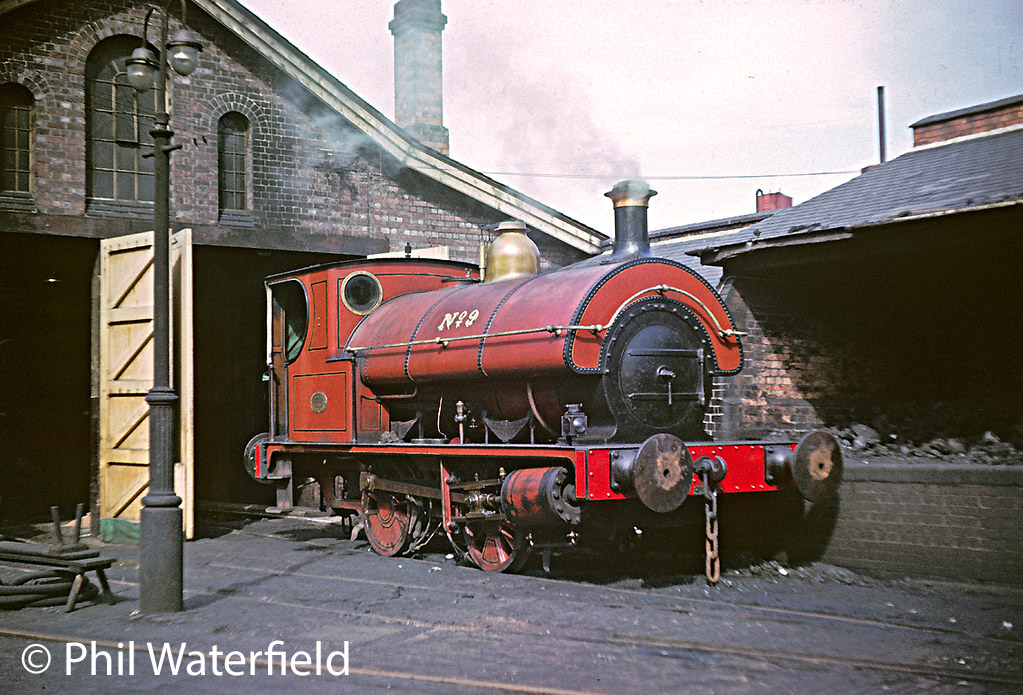 This image has an empty alt attribute; its file name is neilson-reid-5907-on-the-shed-at-the-bass-brewery-at-burton-on-trent-1964.jpg