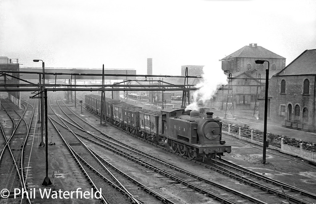 This image has an empty alt attribute; its file name is rsh-7609-at-ashington-1966.jpg