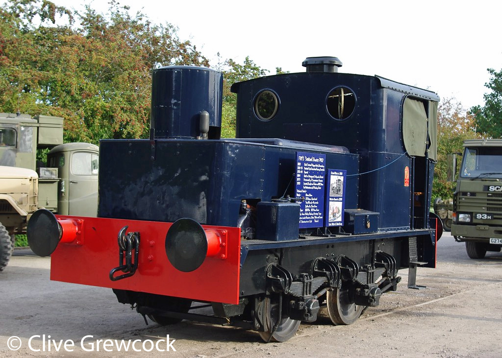 This image has an empty alt attribute; its file name is sentinel-7492-on-display-at-bitton-on-the-avon-valley-railway-september-2017.jpg